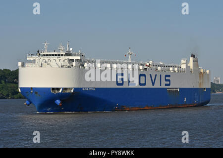Carcarrier Glovis Crystal leaving Hamburg - Stock Image