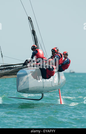Portsmouth, UK. 25th July 2015. Landrover BAR take second place in the second race of the America's Cup series - Stock Image