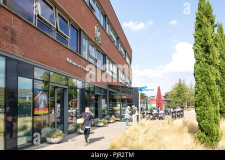 Main entrance to St George's Hospital, Effort Street, Tooting, London Borough of Wandsworth, Greater London, England, United Kingdom - Stock Image