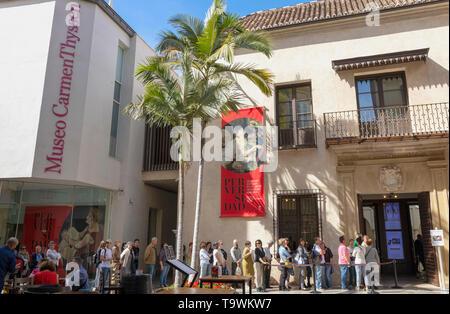 Queue outside Museo Carmen Thyssen, Malaga, Costa del Sol, Malaga Province, Andalusia, southern Spain. - Stock Image