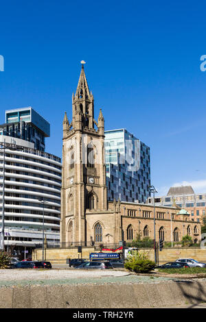 The Church of Our Lady and Saint Nicholas, the Anglican parish church of Liverpool, at the junction of  St Nicholas Place and George's Dock Gates, - Stock Image