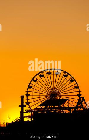 USA, California, Los Angeles, Santa Monica. Ferris Wheel on Santa Monica Pier. - Stock Image
