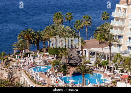 Hotel and pool resort on the Atlantic coast at Taurito, Gran Canaria, Canary Islands - Stock Image
