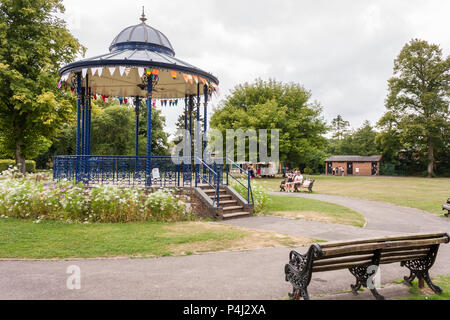 War Memorial Park bandstand, Romsey, Hampshire, England, GB, UK. The bandstand was restored in 2002 based on Victorian castings. - Stock Image