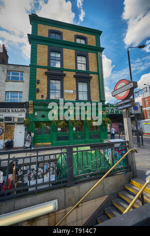 the salmon and ball pub bethnal green - Stock Image