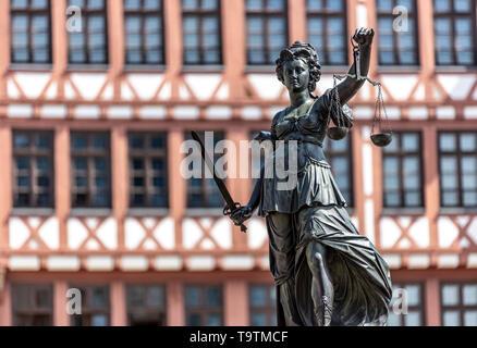 The Ršmer, City Hall of Frankfurt am Main, Ršmerberg Platz, landmark of the city, rows of houses Samstagsberg, Fountain of Justice, - Stock Image