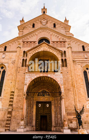 Duomo church and main entrance in Verona, Italy - Stock Image