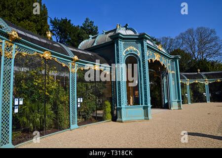 Waddesdon Manor Aviaries, Waddesdon, Buckinghamshire, UK - Stock Image