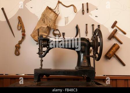 Old Singer sewing machine - Stock Image