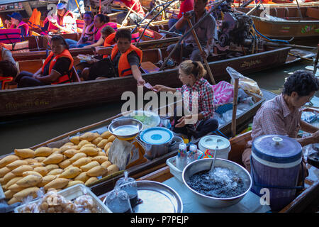 Damnoen Saduak Floating Market. - Stock Image