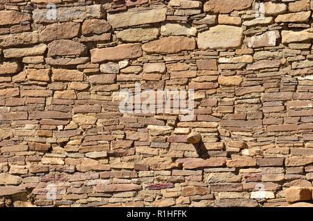 Chacoan wall detail, Pueblo Bonito, Chaco Canyon, Chaco Culture National Historical Park, New Mexico, USA 180926_74392 - Stock Image