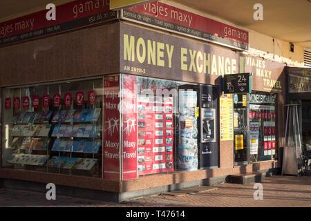 Money exchange center in Fuengirola, Costa del Sol, Spain - Stock Image