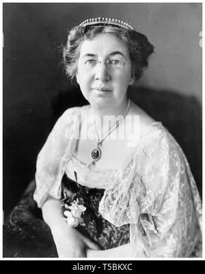 Mabel Gardiner Hubbard Bell (1857-1923), wife of inventor Alexander Graham Bell, portrait, by Harris & Ewing, c. 1917 - Stock Image