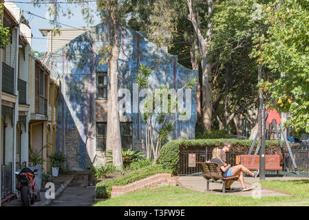 Edgley Reserve on Nickson St in Surry Hills provides a local green space and contains the 'What Bird Is That' mural by Peter Day, painted in 1981 - Stock Image