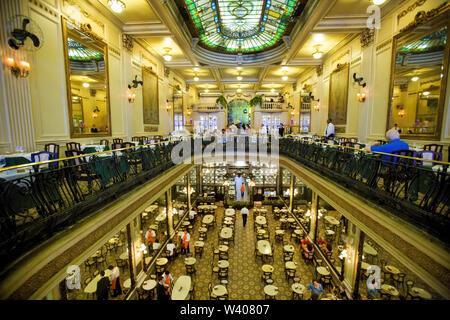 Brazil. People dining at the Cristova Restaurant, Confeitaria Colombo, Rio de Janeiro. - Stock Image