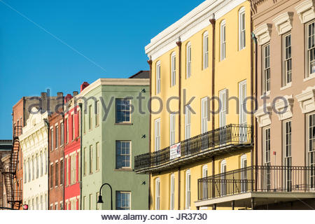 United States, Louisiana, New Orleans. French Quarter buildings on Decatur St. - Stock Image