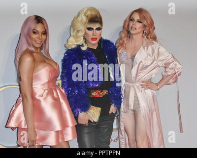 London, UK. 27th September 2018. Munroe Bergdorf, Jodie Harsh and Courtney Act attend A Star Is Born UK Premiere at Vue Cinemas, Leicester Square, London, UK 27 September 2018. Credit: Picture Capital/Alamy Live News - Stock Image