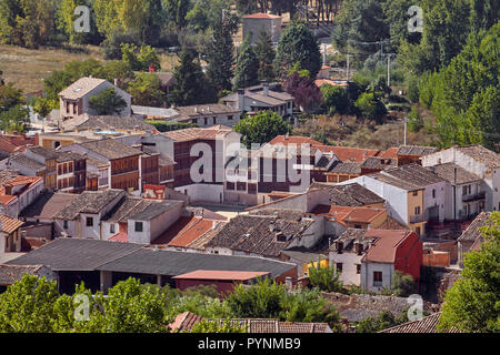 The Plaza del Coso (also used as a bullring) surrounded by traditional houses in Peñafiel. Castilla y León, Spain.  [Ribera del Duero] - Stock Image