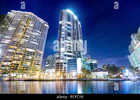 The Las Olas Icon is the centerpiece of this image photographed from across the New River at Downtown Fort Lauderdale's historic Riverwalk District. - Stock Image
