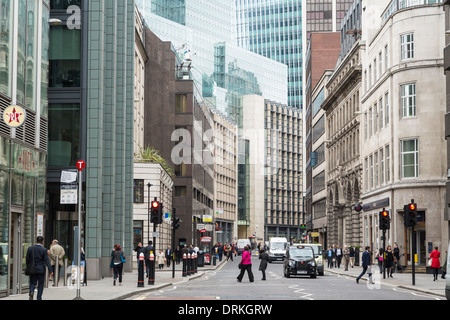 Taxis and office workers, Fenchurch Street the City of London, England - Stock Image