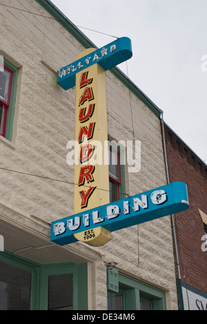Restored sign on the Hillyard Building in the Hillyard district of Spokane, Washington State, USA. - Stock Image