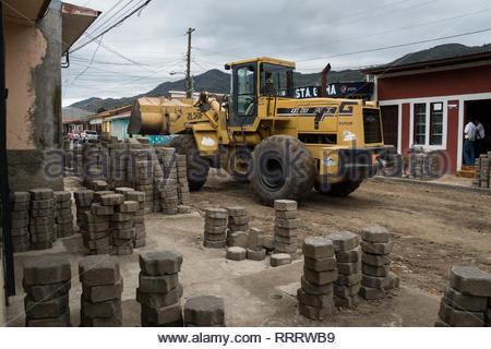 Jinotega municipal workers repairing the water system. - Stock Image