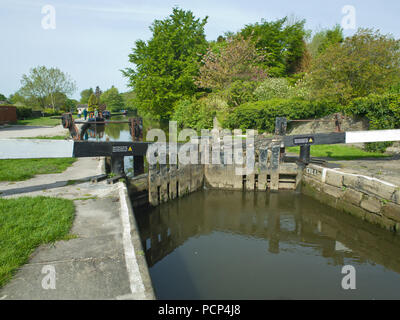 Canal Lock Leeds Liverpool Canal Gargrave Near Skipton North Yorkshire UK - Stock Image