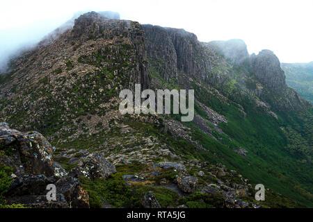 Du Cane Range in Cradle Mountain–Lake St Clair National Park, Tasmania - Stock Image