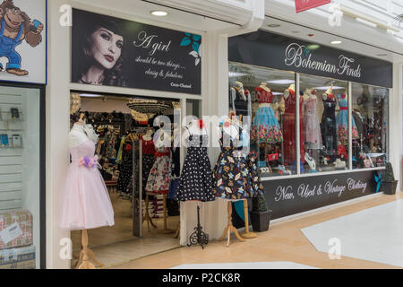 Bohemian Finds, a shop specialising in new used and vintage clothing for ladies; Northampton, UK - Stock Image