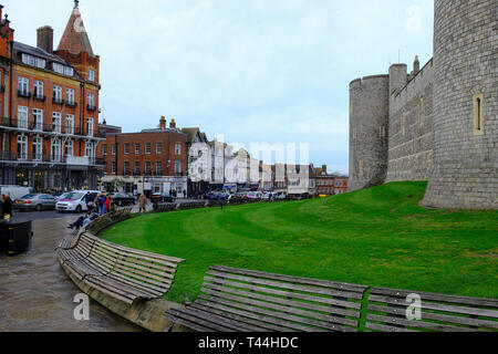 16 December 2018, Windsor, UK - The outside of Windsor Castle on the corner of Castle Hill, Windsor, UK - Stock Image