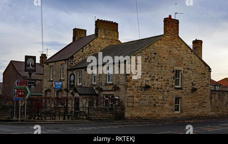 Cw 6577 The Wellwood pub Amble  Amble is a small town on the north east coast of Northumberland, this is the Wellwood pub on the high street. - Stock Image