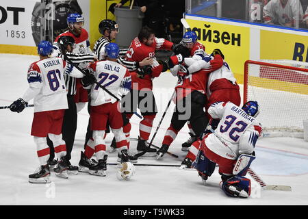 Bratislava, Slovakia. 21st May, 2019. A skirmish during the match between Czech Republic and Switzerland within the 2019 IIHF World Championship in Bratislava, Slovakia, on May 21, 2019. Credit: Vit Simanek/CTK Photo/Alamy Live News - Stock Image