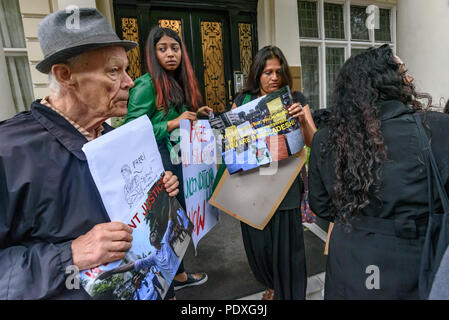 London, UK. 10th August 2018. Campaigners at the Bangladesh High Commission in London, including a number of his relatives and several well-known photographers, called for the immediate release of Shahidul Alam, seized from his house by police on Sunday shortly after he gave an interview to Al Jazeera over Skype on the road safety protests in Bangladesh. Credit: Peter Marshall/Alamy Live News - Stock Image