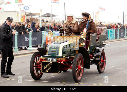 Mr Mike Mutters driving his1904, De Dion Bouton across the finishing line during the 2018 London to Brighton Veteran Car Run - Stock Image