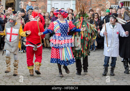 Wantage, UK. 26 Dec 2016. The characters of a traditional Mummers Folk Play performed annually on Boxing Day in - Stock Image