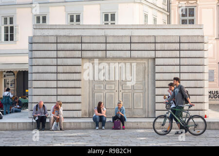 Vienna holocaust memorial, the Holocaust-Denkmal designed by Rachel Whiteread is a memorial to the 65,000 Austrian jews who died during the Holocaust. - Stock Image