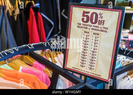 Vero Beach Florida Cracker Barrel Old Country Store restaurant retail chain Southern theme sale half price bargain Americana nos - Stock Image