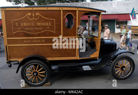 Antique cabinetmaker truck on display at the Montgomery County Fair in Gaithersburg, Maryland - Stock Image