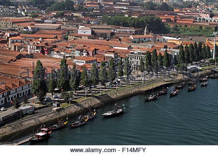 Porto, Portugal. 20th Aug, 2015. © Dominic Dudley/Pacific Press/Alamy Live News - Stock Image