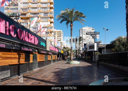 Benidorm, Costa Blanca, Spain, 25th February 2019. Two staff members at the Beachcomber pub in Benidorm New Town on the British square. Two British tourists have been arrested in relation to the alleged attack. Credit: Mick Flynn/Alamy Live News - Stock Image