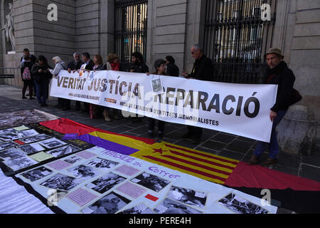 Truth, Justice and Reparation Relatives Protest In Barcelona For The Missing People From The Era Of Fascism In Spains Past - Stock Image