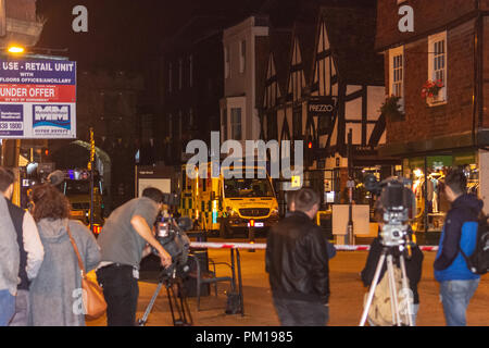 Salisbury Wiltshire, England, 16th September 2018  Press filming the scene at a police barrier after 2 diners were taken ill in Prezzos Salisbury in a possible repeat of the Novichok poisonings   Credit Estelle Bowden/Alamy news Credit: Starsphinx/Alamy Live News - Stock Image