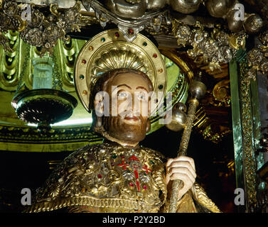 Cathedral of Santiago de Compostela. Main altar. Medieval statue of the apostle St. James. Detail. 12th century. Santiago de Compostela, province of La Coruña, Galicia, Spain. - Stock Image
