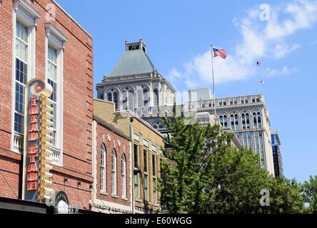 Greensboro, North Carolina. Buildings along Elm street in downtown. - Stock Image