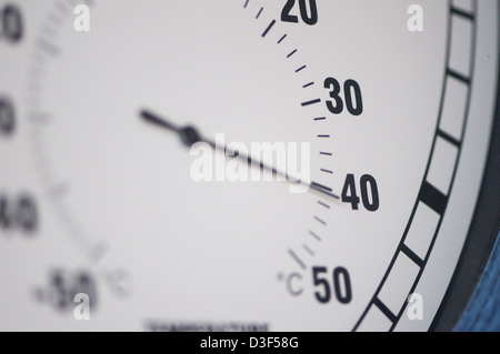 A temperature gauge showing 40c - Stock Image