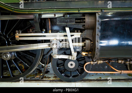Valve gear of Ex LNER class A3 express passenger steam locomotive Flying Scotsman on display at Locomotion National Railway Museum Shildon - Stock Image