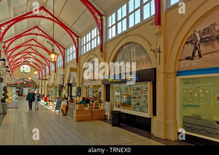 INVERNESS CITY SCOTLAND CENTRAL CITY THE INTERIOR OF THE VICTORIAN COVERED MARKET AND SHOPS - Stock Image