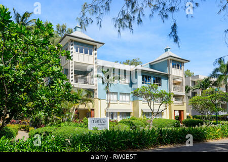 Mantra Amphora Resort on the foreshore of trendy Palm Cove, Cairns Northern Beaches, Far North Queensland, QLD, FNQ, Australia - Stock Image
