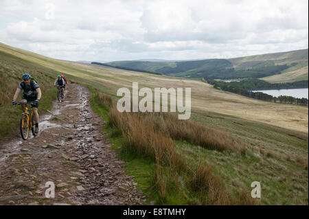 mountain biking on the brecon beacons wales - Stock Image