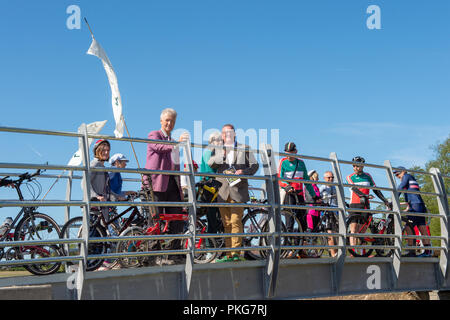 Aylesbury, United Kingdom. 13 September 2018. The new Waddesdon Greenway route, from Aylesbury Vale Parkway to Waddesdon Manor, was opened officially by Transport Minister Jesse Norman Credit: Peter Manning/Alamy Live News - Stock Image